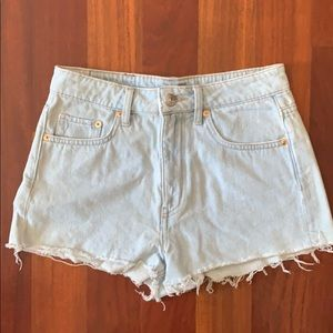 DIVIDED shorts size 6